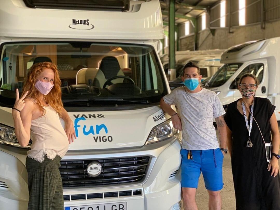 Maria castro y el equipo de van and fun