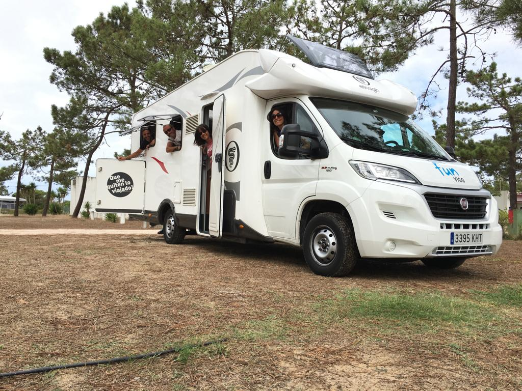 familia van and fun en autocaravana